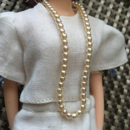 ドール服にぴったり、パールのロングネックレスの作り方