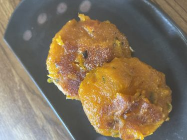 パサパサにならずムッチリおいしい、北海道の郷土料理「かぼちゃだんご」