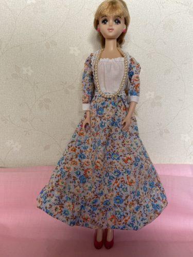 クラシカルなドール服、ジェニーに似合うロングドレスの作り方