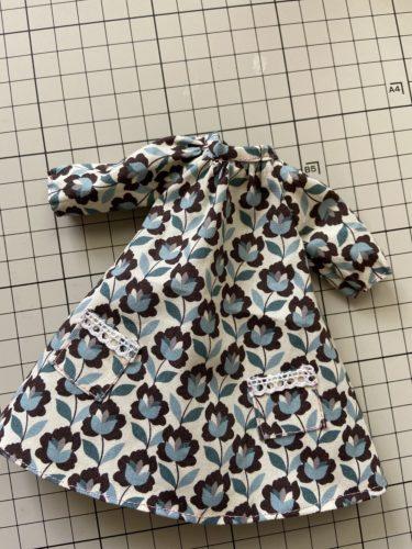 ドール服、両サイドのポケットがキュートなラグランワンピースの作り方