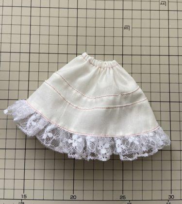ドール服 ペチコート風フリルたっぷりAラインスカートの作り方