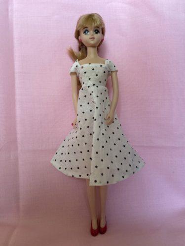 ドール服、初心者にもおすすめな簡単サマードレスの作り方