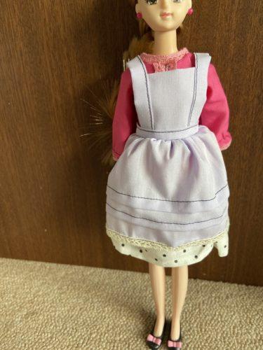 ドール服、ジェニーにも似合う定番なエプロンの作り方