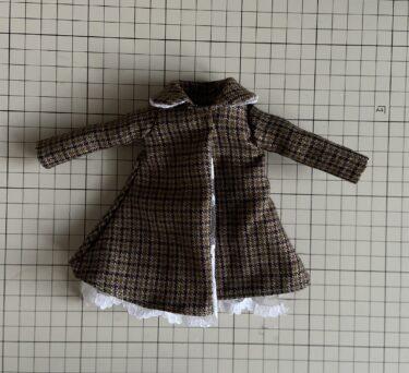 ドール服ぜひ作って欲しい、大きめ丸衿がかわいいコートの作り方